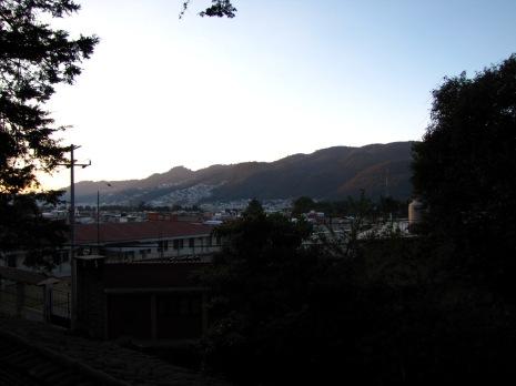 Vista montañas y casas Sancris